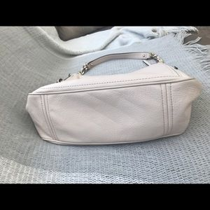 kate spade Bags - Kate Spade Pebbled Leather Finley Hobo Handbag
